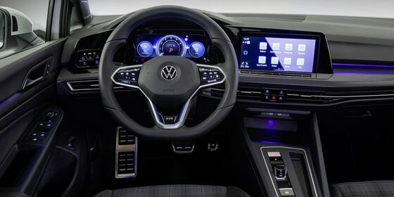 Volkswagen Golf GTE Interior